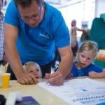 36 vaders tekenen het Voorleesconvenant in Apeldoorn