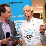 Wethouder Nijenhuis trapt de recordpoging in Purmerend officieel af.